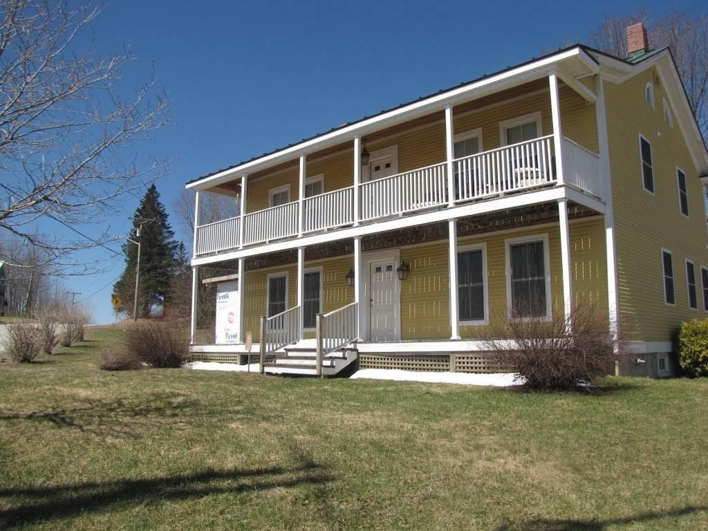 Phoenix House 1835 LLC   restaurant   7 Potato Hill Rd, Enosburg Falls, VT 05450, USA   8029338400 OR +1 802-933-8400