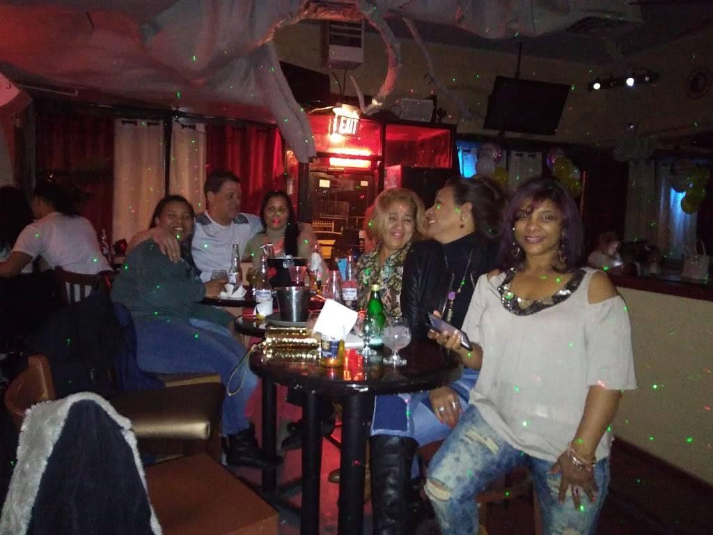 Legends   restaurant   1735 E 172nd St, Bronx, NY 10472, USA   3472700123 OR +1 347-270-0123