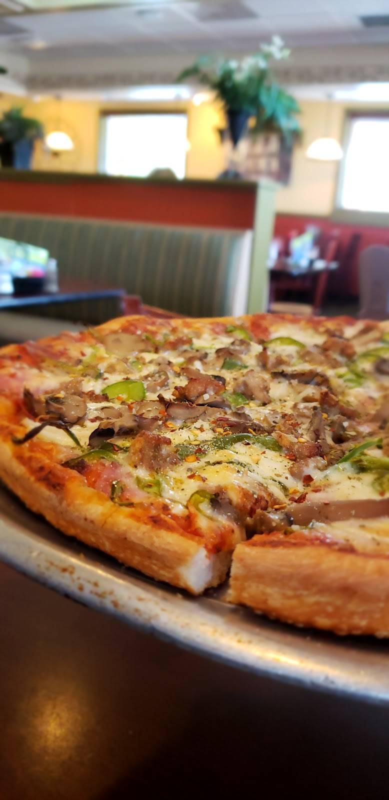 Queens Pizza & Restaurant   restaurant   40949 US Hwy 19 N, Tarpon Springs, FL 34689, USA   7279391791 OR +1 727-939-1791