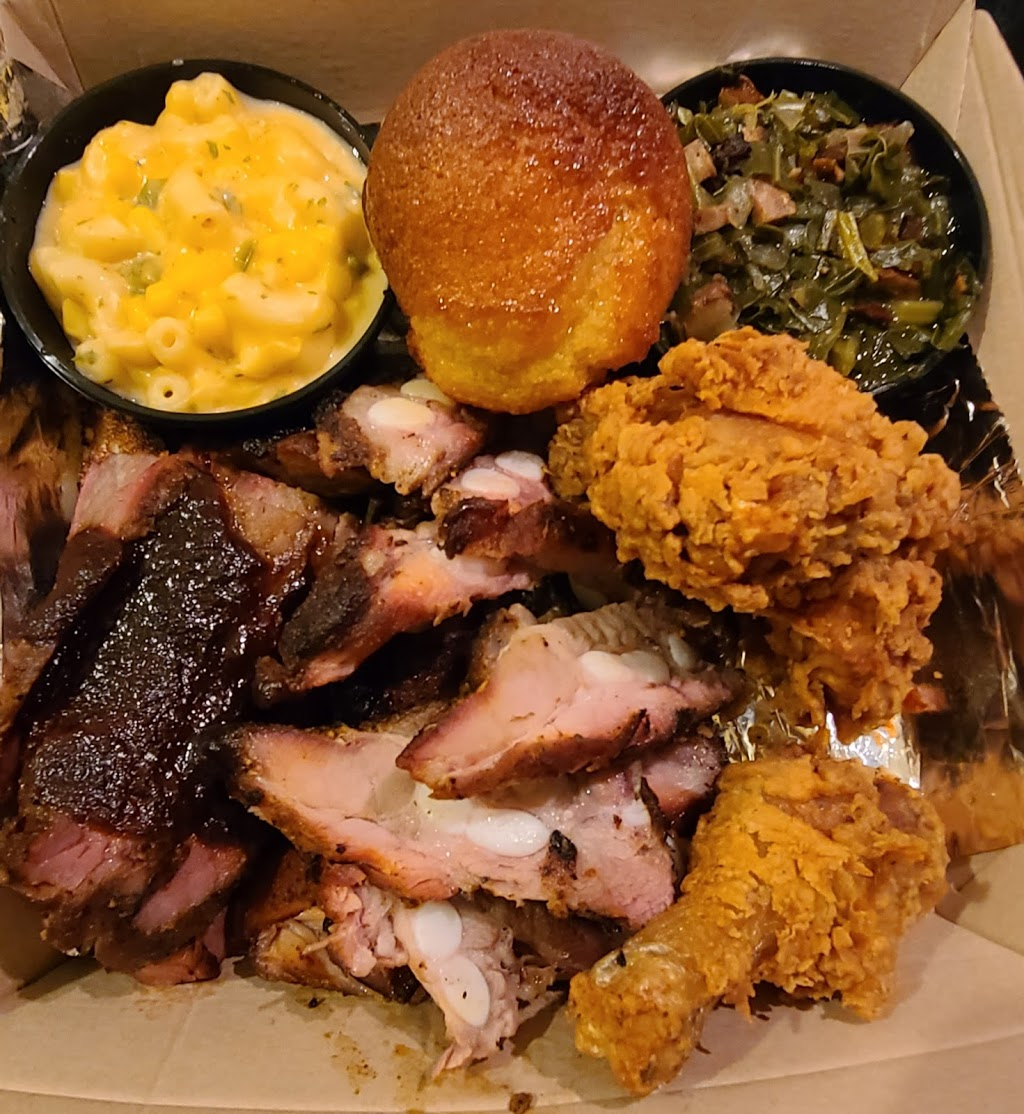 Famous Daves (Carry Out & Delivery Only)   restaurant   3517 N Spaulding Ave, Chicago, IL 60618, USA