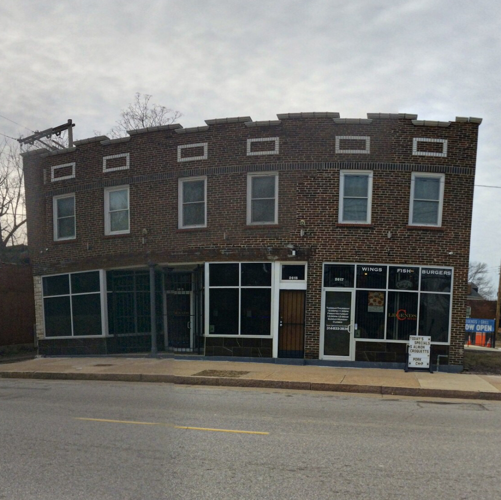 Legends Bar & Grill | restaurant | 2617 Marcus Ave, St. Louis, MO 63113, USA | 3148333838 OR +1 314-833-3838