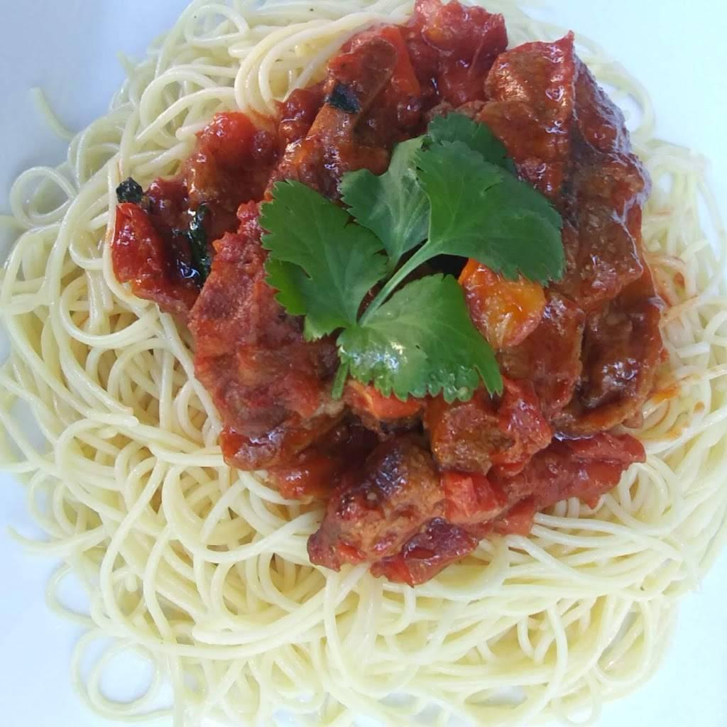 Bintis Takeout   meal takeaway   520 Shepherd Dr, Garland, TX 75042, USA   9729263210 OR +1 972-926-3210