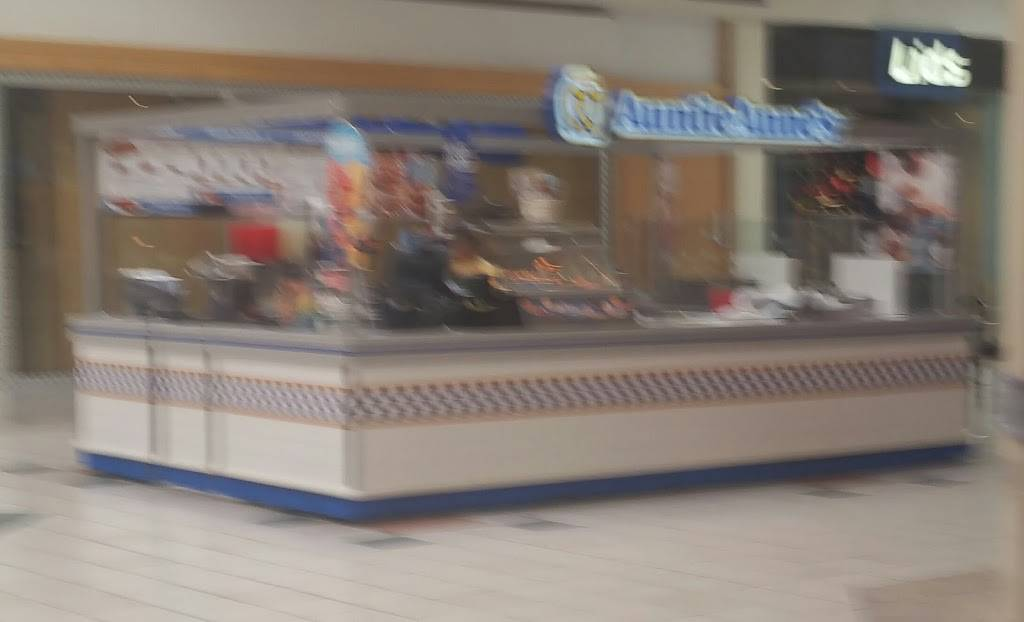Auntie Annes | bakery | 5538 Durand Ave, Racine, WI 53406, USA | 2625980440 OR +1 262-598-0440