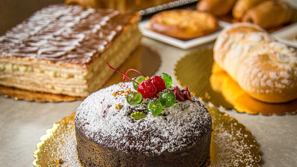 Mayras Bakery | bakery | 781 Hawkins Ave, Lake Grove, NY 11755, USA | 6314687060 OR +1 631-468-7060