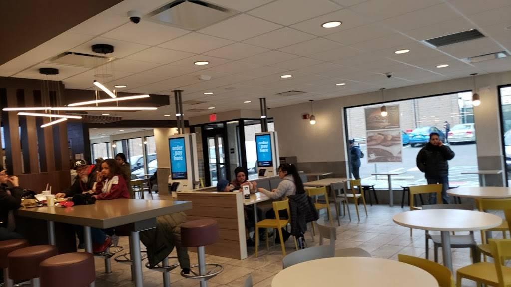 McDonalds | cafe | 3215 John F. Kennedy Blvd, Union City, NJ 07087, USA | 2018666777 OR +1 201-866-6777