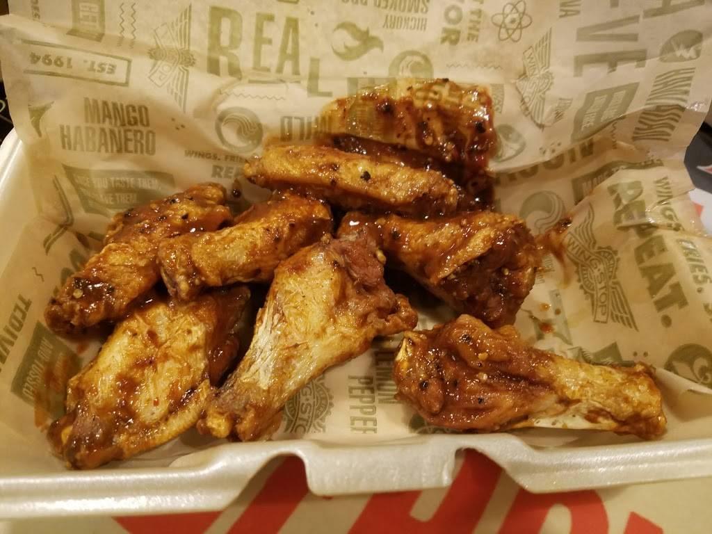 Wingstop | meal takeaway | 550 Farmington Ave, Hartford, CT 06105, USA | 8602163936 OR +1 860-216-3936