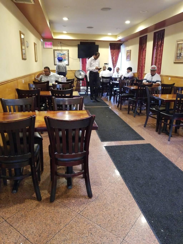 Star Light Grill | restaurant | 80-02 Astoria Blvd, Flushing, NY 11370, USA | 7185058800 OR +1 718-505-8800
