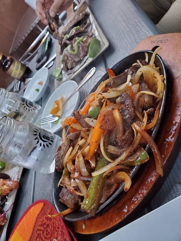 El Rincon Mexicano | restaurant | 653 St Clair Ave W, Toronto, ON M6C 1A7, Canada | 4166561059 OR +1 416-656-1059