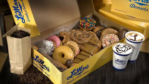 LaMars Donuts and Coffee | bakery | 722 MO-7, Blue Springs, MO 64014, USA | 8162208900 OR +1 816-220-8900