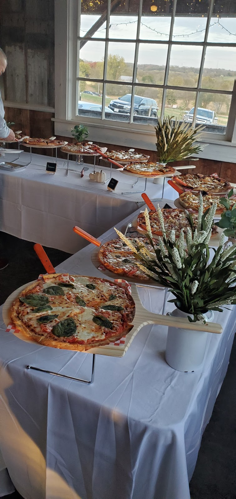 The 640 Pizza and Pints | restaurant | 710 Thomas St, Weston, MO 64098, USA | 8163864130 OR +1 816-386-4130