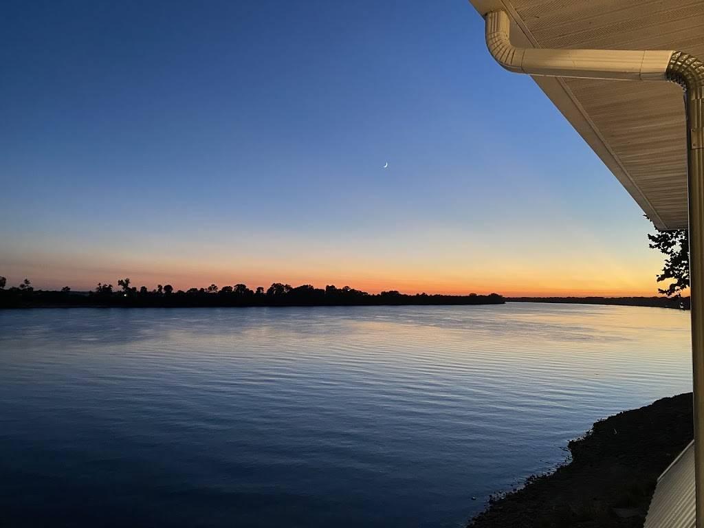 The Landing   restaurant   1 E Water St, Newburgh, IN 47630, USA   8125181200 OR +1 812-518-1200
