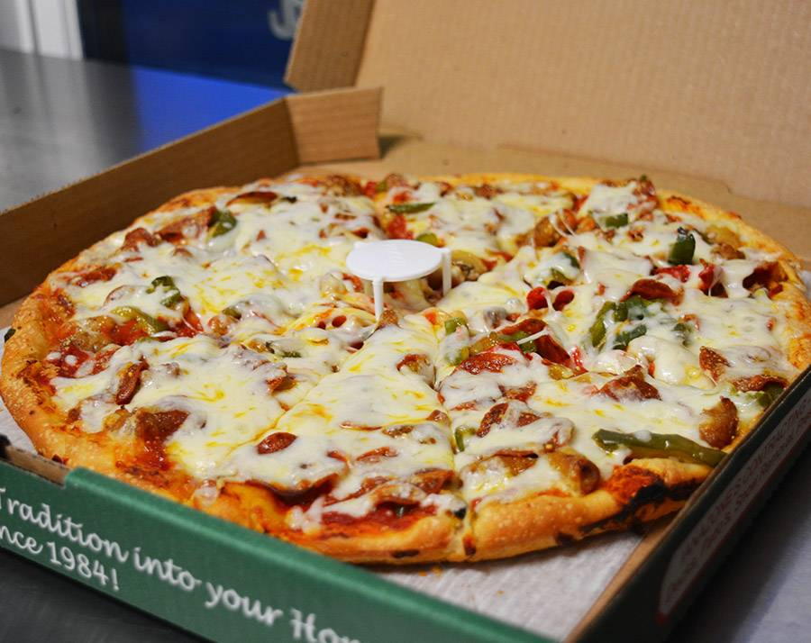 Ianazones Pizza (5 Points) | meal takeaway | 9056 N Lima Rd # A, Poland, OH 44514, USA | 2347593533 OR +1 234-759-3533