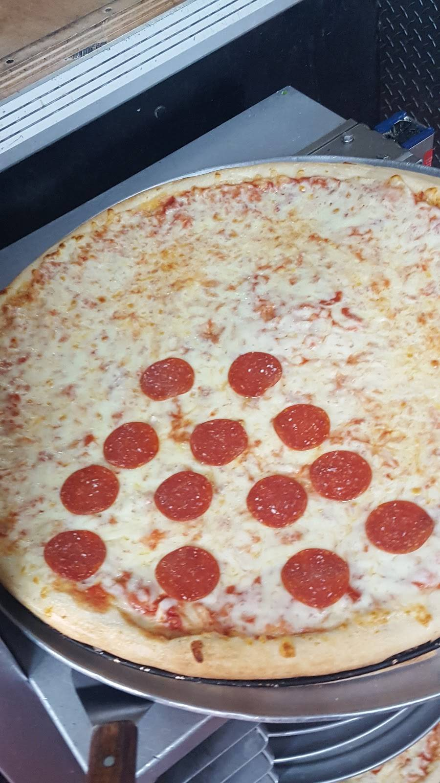 Kennedy Fried Chicken pizza | restaurant | 2115 Grand Concourse, The Bronx, NY 10453, USA | 7183294138 OR +1 718-329-4138
