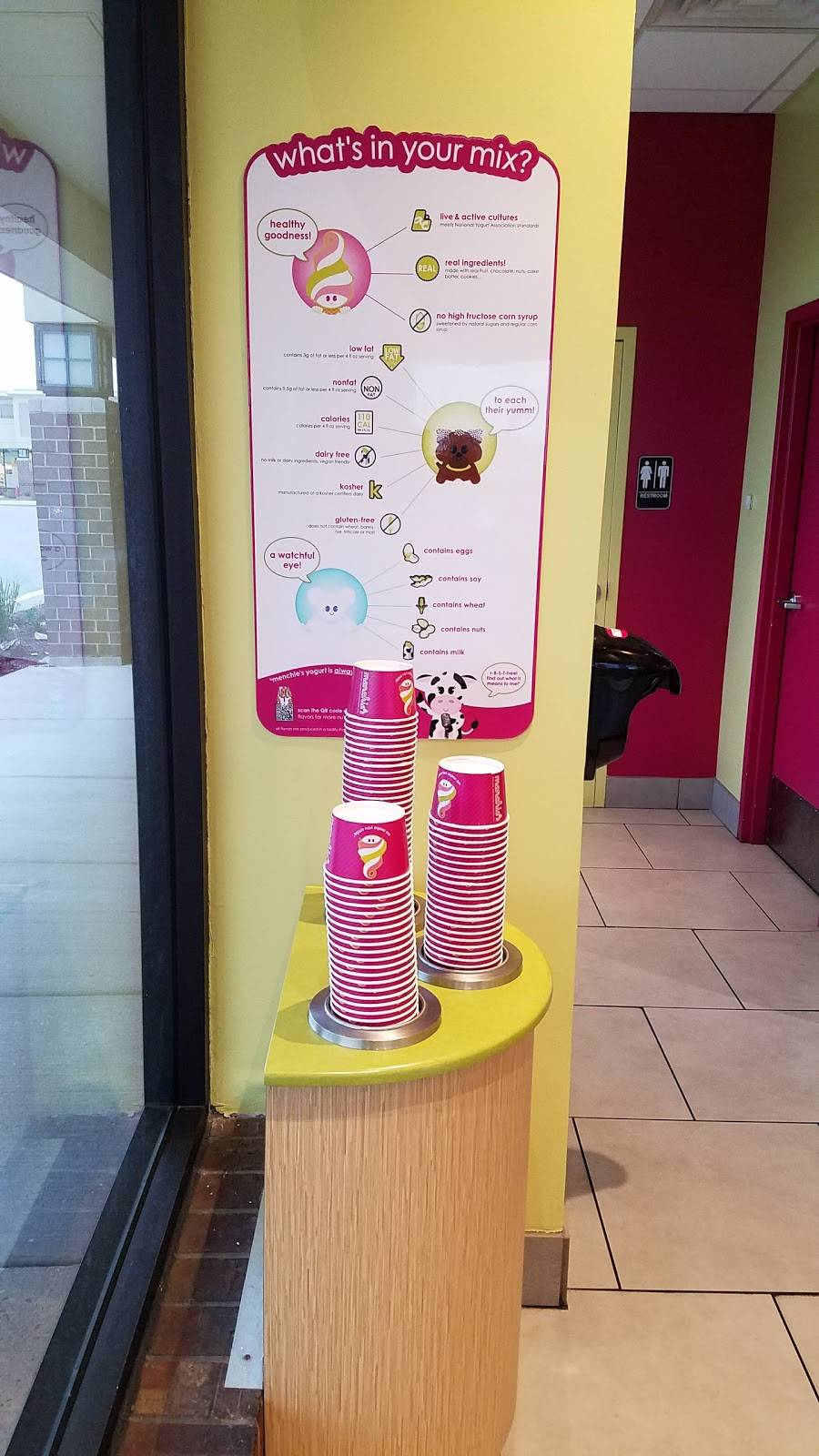 Menchies Frozen Yogurt | bakery | 7339 Lemont Rd, Downers Grove, IL 60516, USA | 6305151650 OR +1 630-515-1650