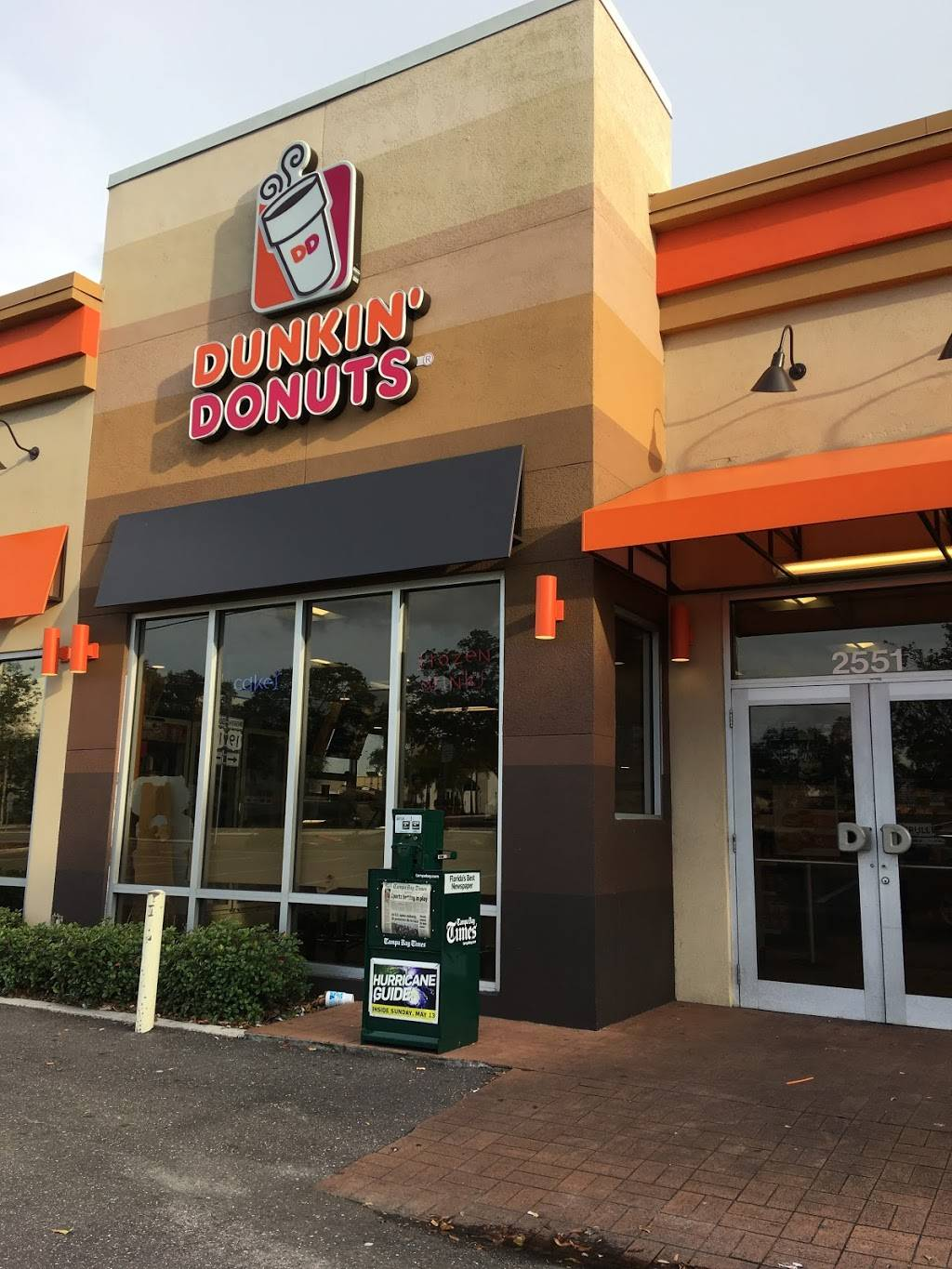 Dunkin Donuts   cafe   2551 Gulf to Bay Blvd, Clearwater, FL 33765, USA   7277255020 OR +1 727-725-5020