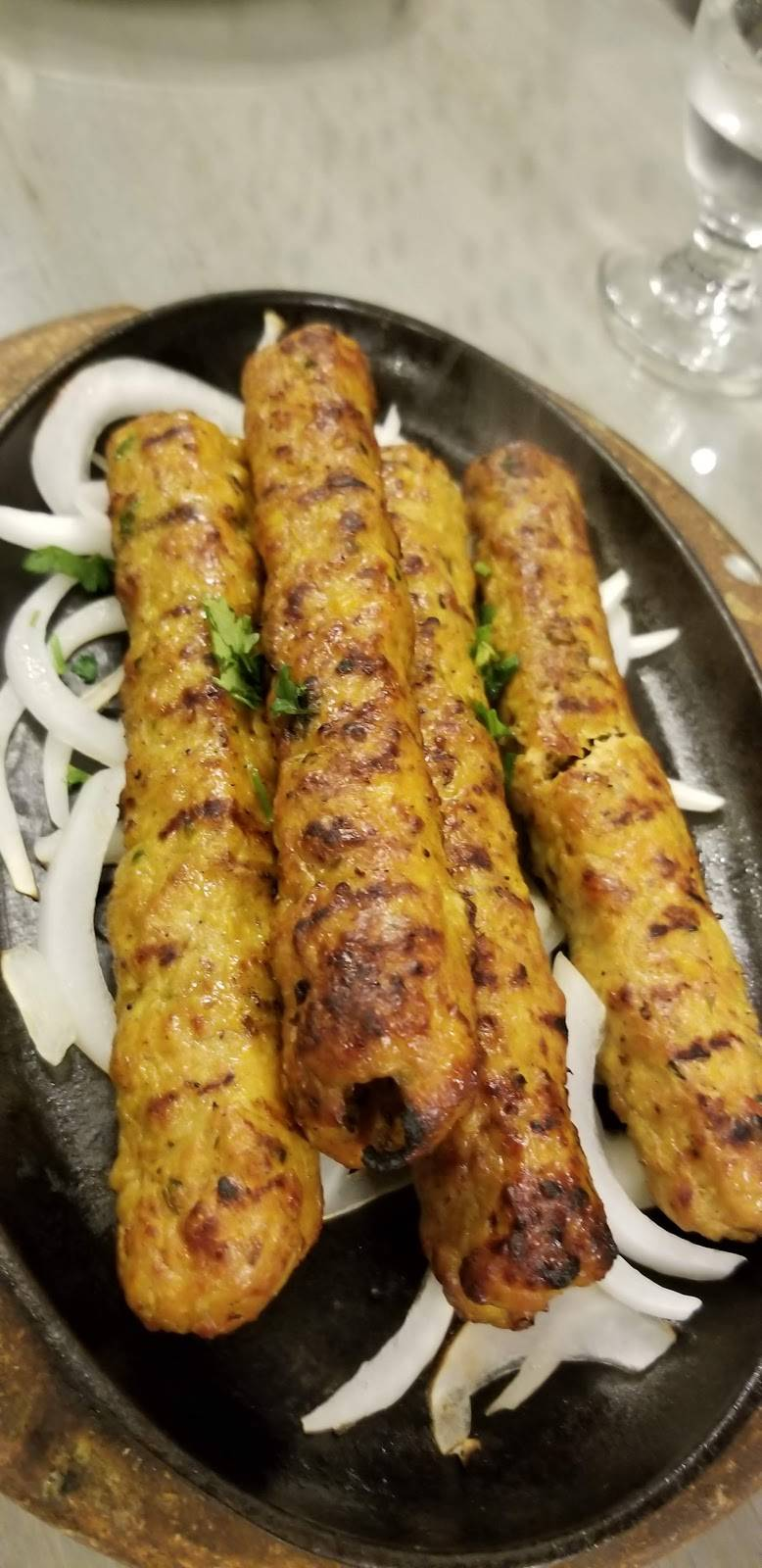 Nirala Sweets and Restaurant | restaurant | 2818 Markham Rd, Scarborough, ON M1X 1E6, Canada | 4162917232 OR +1 416-291-7232