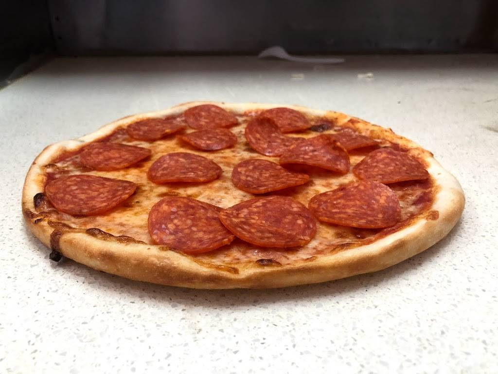 Moses Pizza | restaurant | 109-01 Guy R Brewer Blvd, Jamaica, NY 11433, USA | 7185262779 OR +1 718-526-2779
