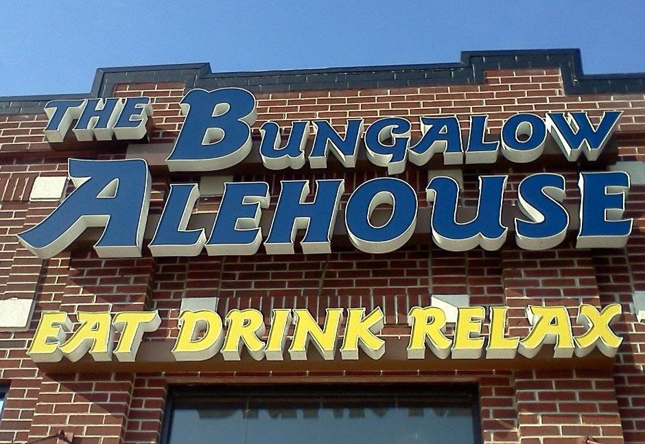 The Bungalow Alehouse | restaurant | 44042 Pipeline Plaza, Ashburn, VA 20147, USA