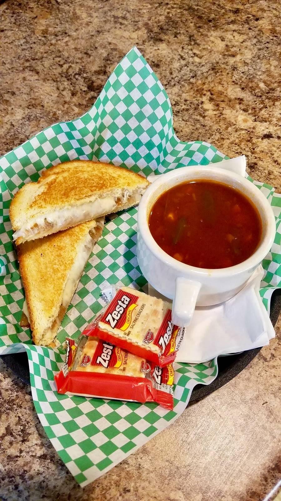Lil Moes | restaurant | 23 N Main St, Philippi, WV 26416, USA | 3044572680 OR +1 304-457-2680