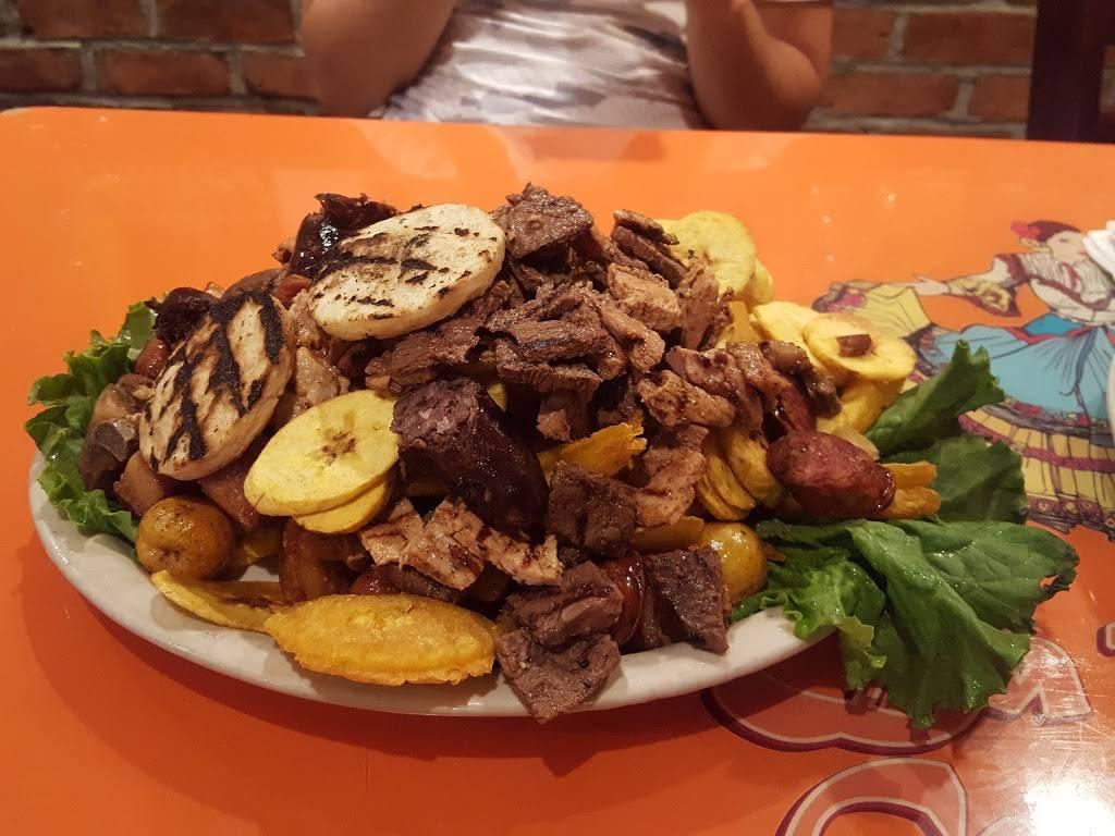La Pollera Colorada II | restaurant | 8213 Northern Blvd, Flushing, NY 11372, USA | 7184246531 OR +1 718-424-6531