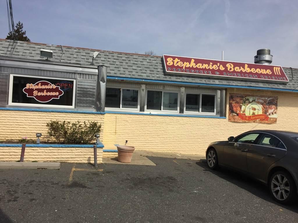 Stephanies BBQ & Steak House | restaurant | 8 Centre St, Nutley, NJ 07110, USA | 9736614441 OR +1 973-661-4441