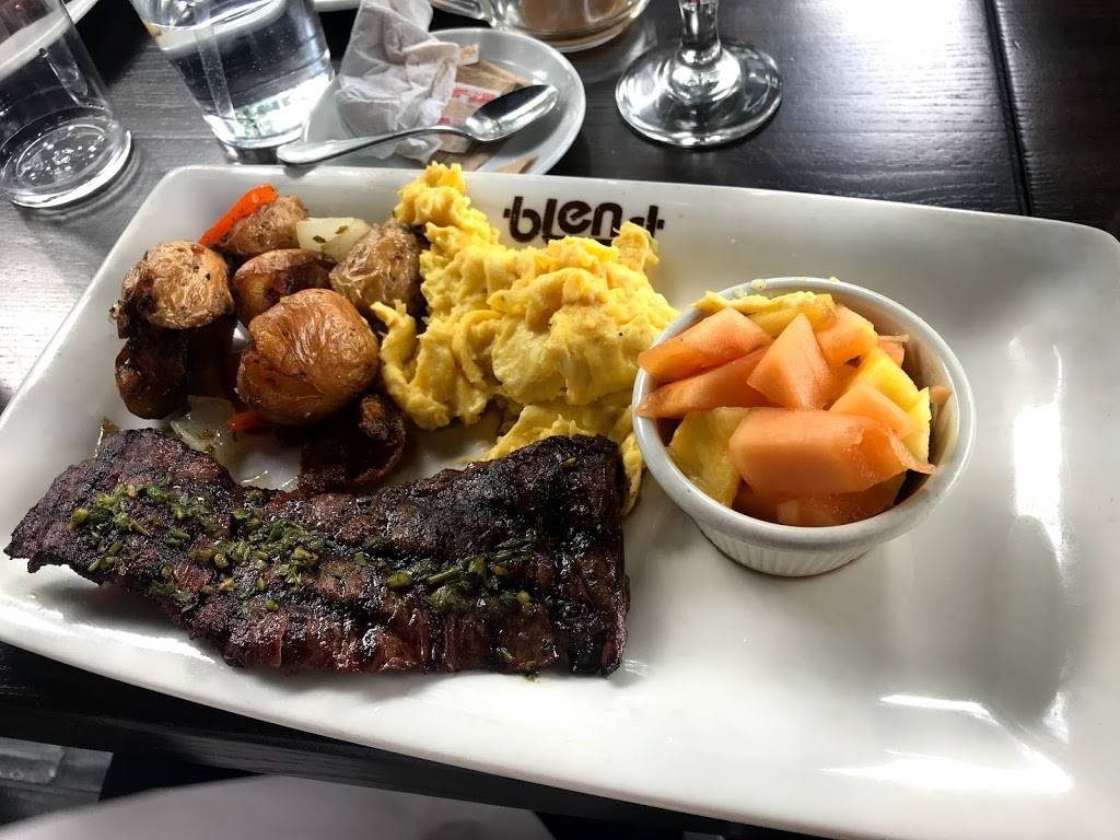 Blend on the Water | restaurant | 4540 Center Blvd, Long Island City, NY 11109, USA | 7186069851 OR +1 718-606-9851