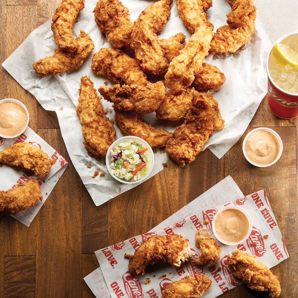 Raising Canes Chicken Fingers | meal takeaway | 12056 W 95th St, Lenexa, KS 66215, USA | 9132270481 OR +1 913-227-0481