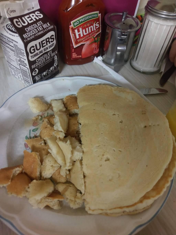 Lewies Restaurant   restaurant   21 S Lehigh Ave, Frackville, PA 17931, USA   5708743550 OR +1 570-874-3550