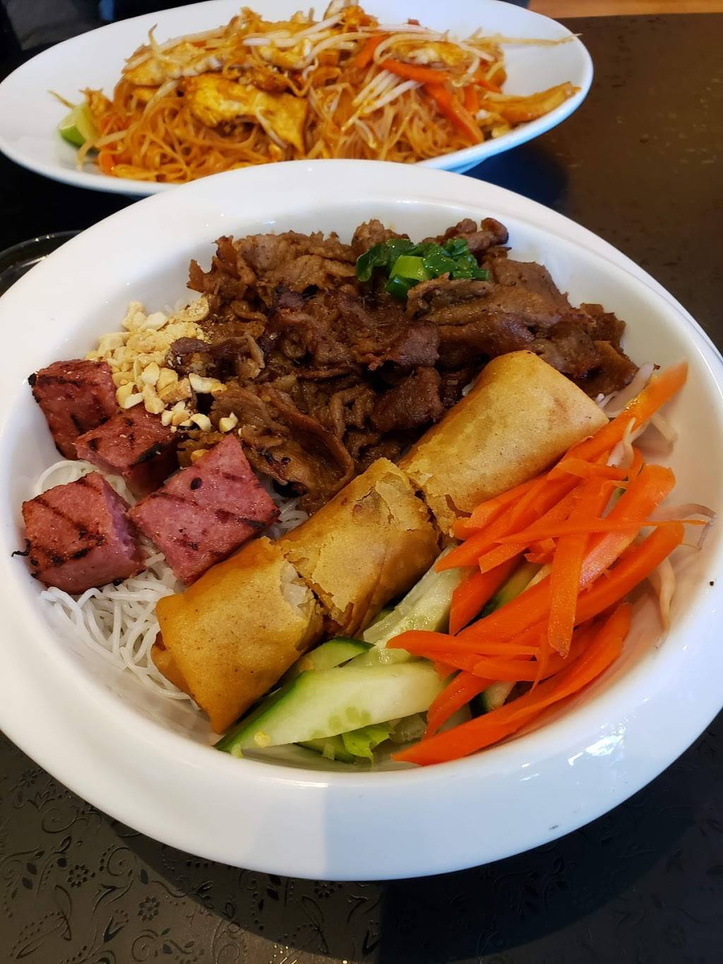 Nguyens Vietnamese | restaurant | 400 Speedvale Ave W, Guelph, ON N1H 8H3, Canada | 5192653395 OR +1 519-265-3395