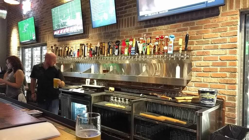 Beerhead Bar & Eatery - Elmhurst | restaurant | 100 N York St, Elmhurst, IL 60126, USA | 6304332337 OR +1 630-433-2337