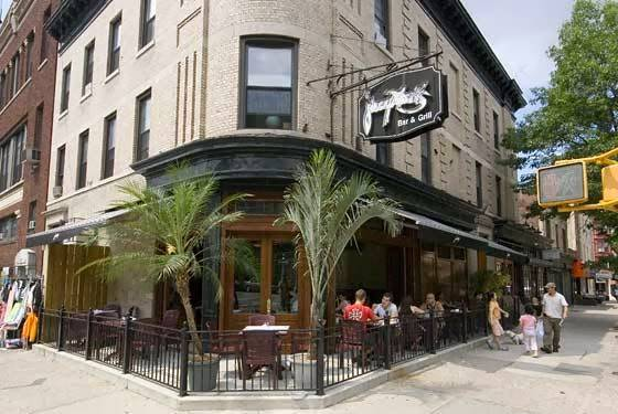 Johnny Macks Bar & Grill | restaurant | 1114 8th Ave, Brooklyn, NY 11215, USA | 7188327961 OR +1 718-832-7961