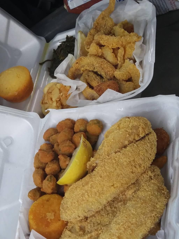 Kings Fish & More | restaurant | 2311 E Genesee Ave, Saginaw, MI 48601, USA | 9893327559 OR +1 989-332-7559
