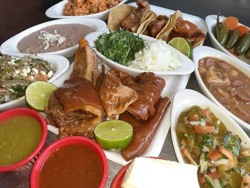 CARNITAS DE PUERCO Y PUERCA | restaurant | 50 N Lincoln Ave, Aurora, IL 60505, USA | 6308449908 OR +1 630-844-9908