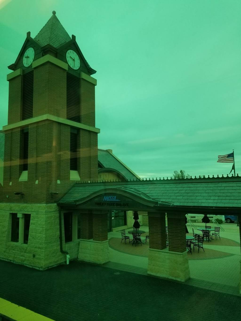 80th Ave Train Station | restaurant | 18001 80th Ave, Tinley Park, IL 60477, USA | 7084445000 OR +1 708-444-5000