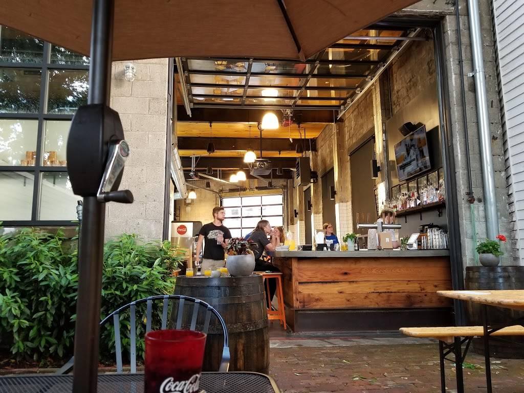 Pho Ba Luu | restaurant | 1019 E Main St, Louisville, KY 40206, USA | 5023846822 OR +1 502-384-6822