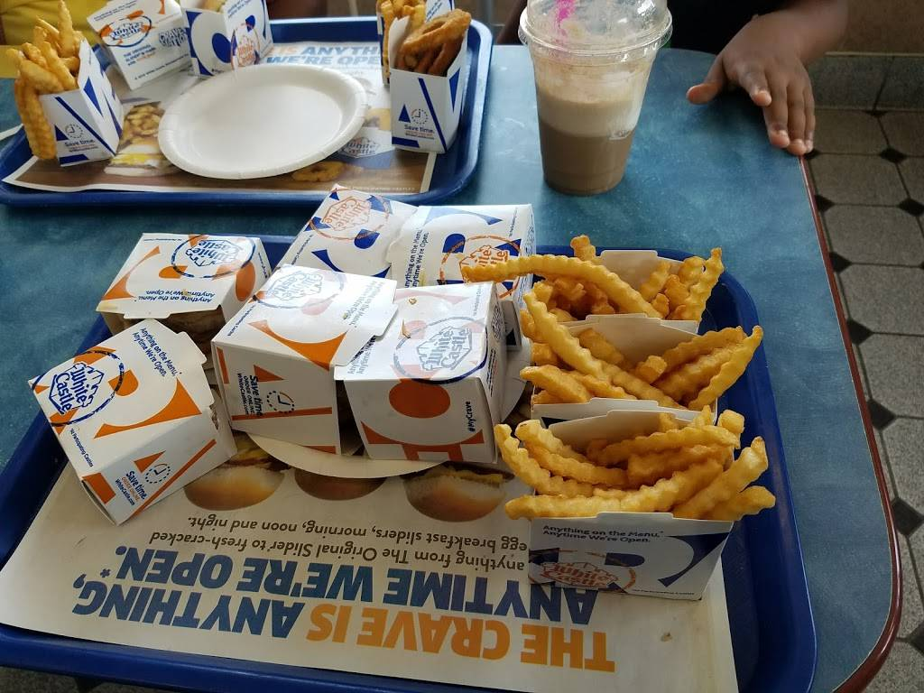 White Castle | restaurant | 27325 Ford Rd, Dearborn Heights, MI 48127, USA | 3132771273 OR +1 313-277-1273