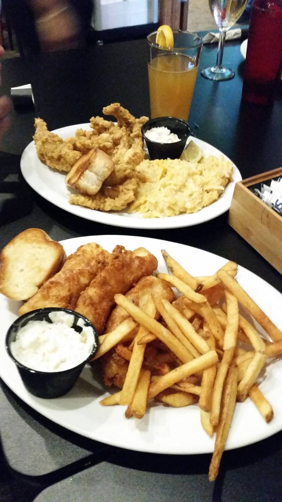 BB Jacks | restaurant | 300 E Holum St, DeForest, WI 53532, USA | 6088469000 OR +1 608-846-9000