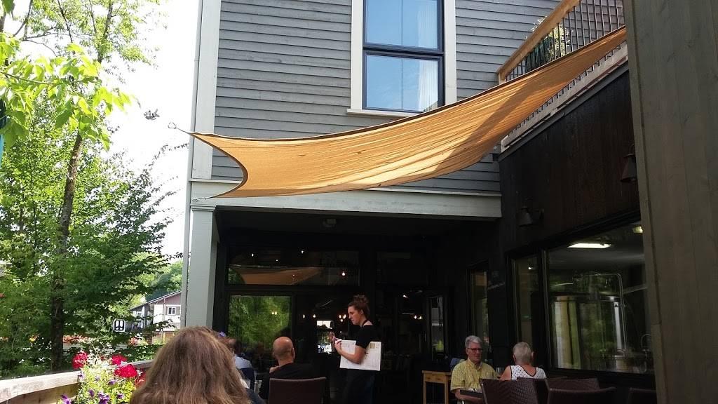 Microbrasserie Auberge Sutton Brouërie | restaurant | 27 Rue Principale Sud St, Sutton, QC J0E 2K0, Canada | 4505380005 OR +1 450-538-0005