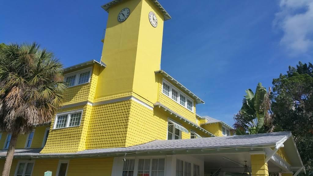 Historic Peninsula Inn   restaurant   2937 Beach Blvd S, Gulfport, FL 33707, USA   7273469800 OR +1 727-346-9800