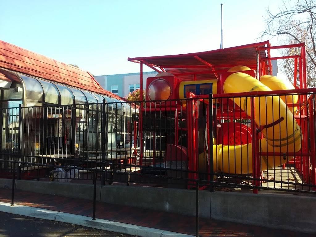 McDonalds   cafe   715 Central Ave, Alameda, CA 94501, USA   5108650200 OR +1 510-865-0200