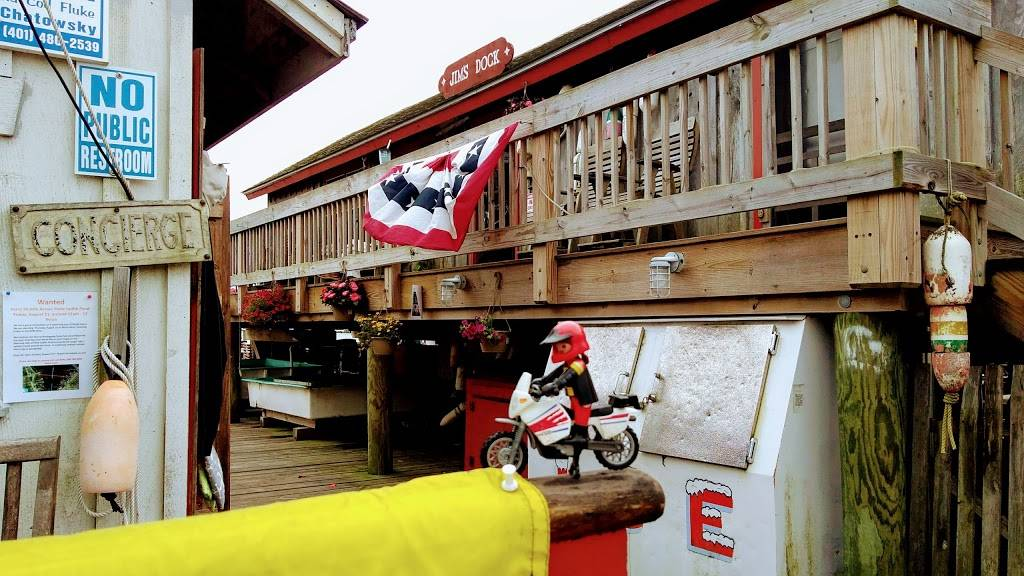 Jims Dock   restaurant   1175 Succotash Rd, Wakefield, RI 02879, USA   4017832050 OR +1 401-783-2050