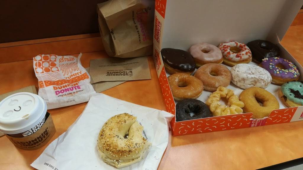 Dunkin Donuts   cafe   6 Queen St, Newtown, CT 06470, USA   2032709288 OR +1 203-270-9288