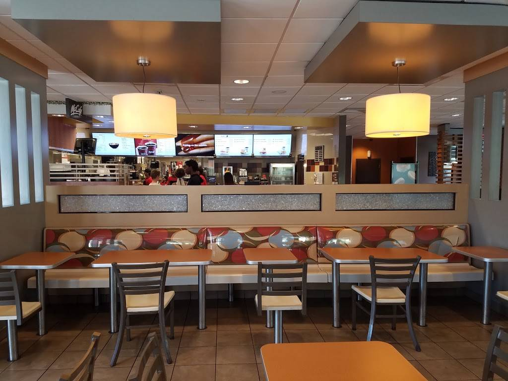 McDonalds | cafe | 2880 NE 8th St, Homestead, FL 33033, USA | 3052429774 OR +1 305-242-9774