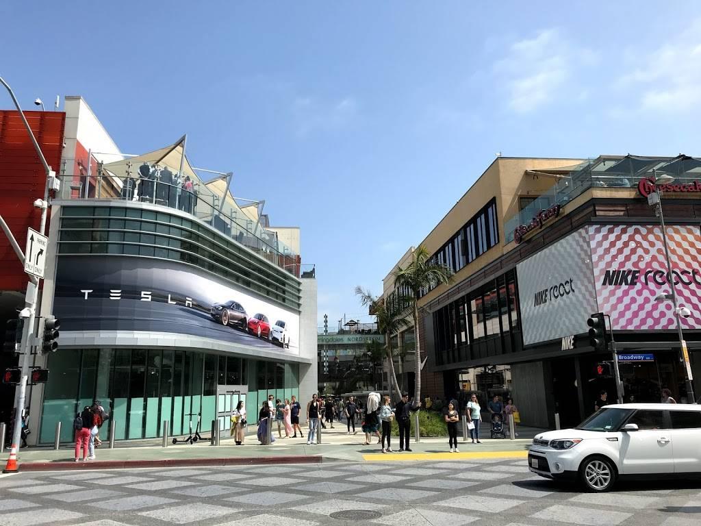 Santa Monica Place | shopping mall | 395 Santa Monica Pl, Santa Monica, CA 90401, USA | 3102608333 OR +1 310-260-8333