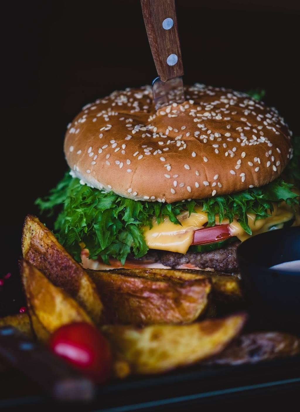 Petes Tavern | restaurant | 6531 Backlick Rd, Springfield, VA 22150, USA | 7038526888 OR +1 703-852-6888