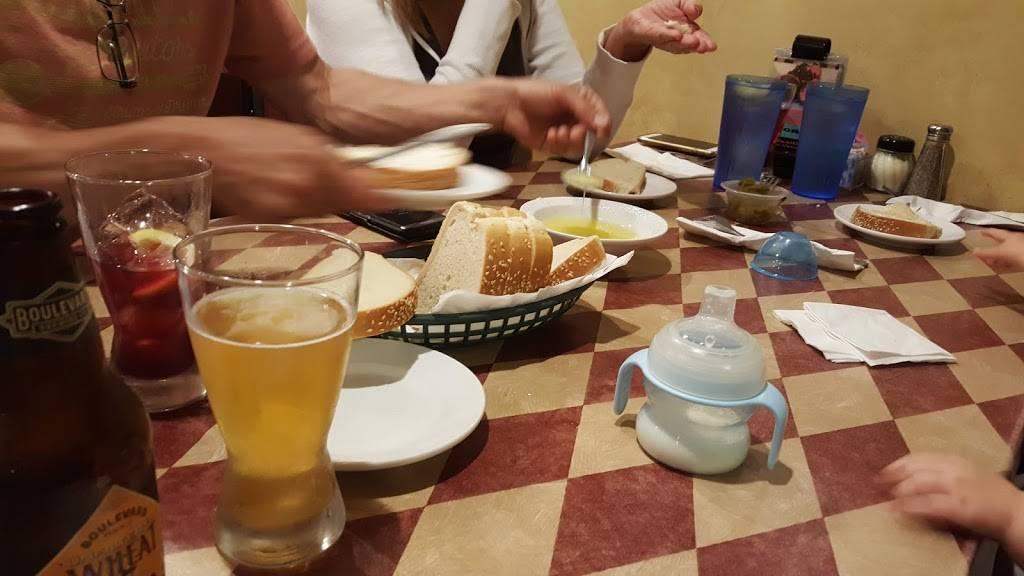 Ginos | restaurant | 123 E Washington St, Kearney, MO 64060, USA | 8169034466 OR +1 816-903-4466
