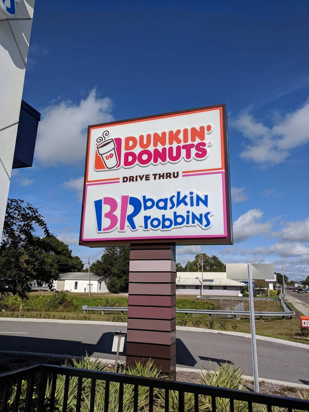 Dunkin Donuts   cafe   3934 49th St N, St. Petersburg, FL 33709, USA   7274829689 OR +1 727-482-9689
