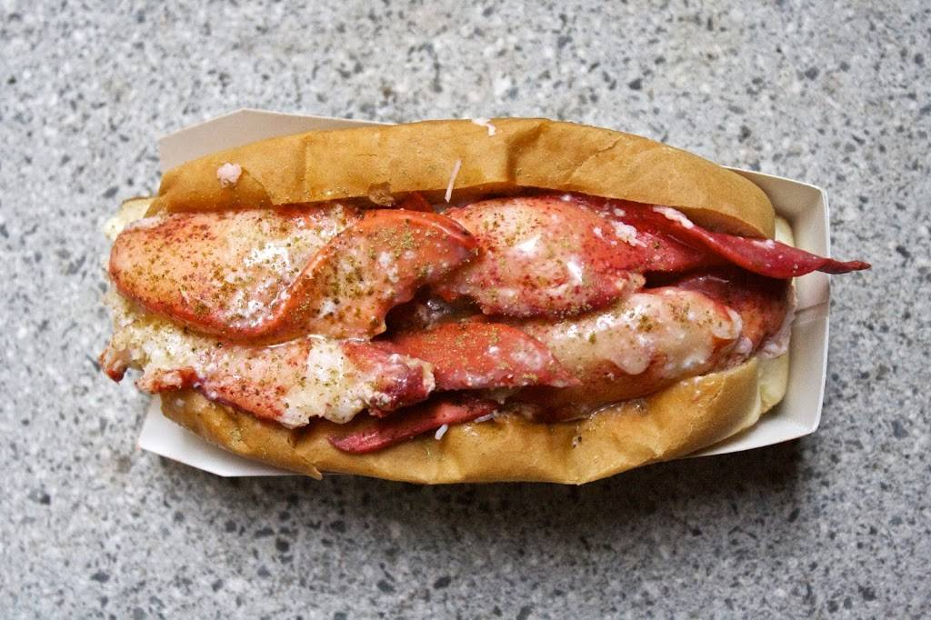 Lukes Lobster Upper West Side | restaurant | 426 Amsterdam Ave, New York, NY 10024, USA | 2128778800 OR +1 212-877-8800