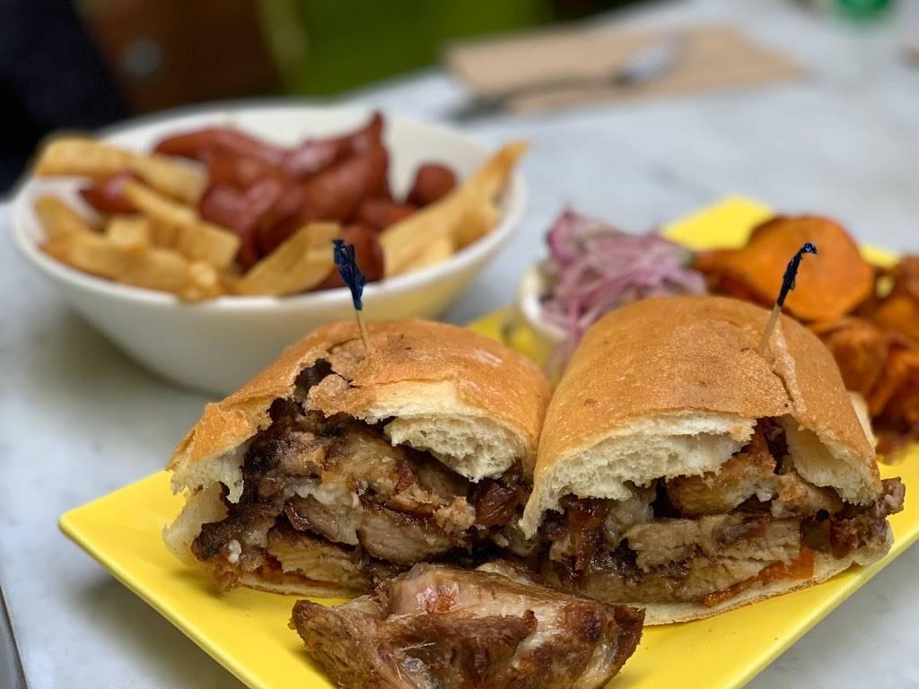 Juanitas Cafe | cafe | 84-15 Northern Blvd, East Elmhurst, NY 11370, USA | 7187797272 OR +1 718-779-7272