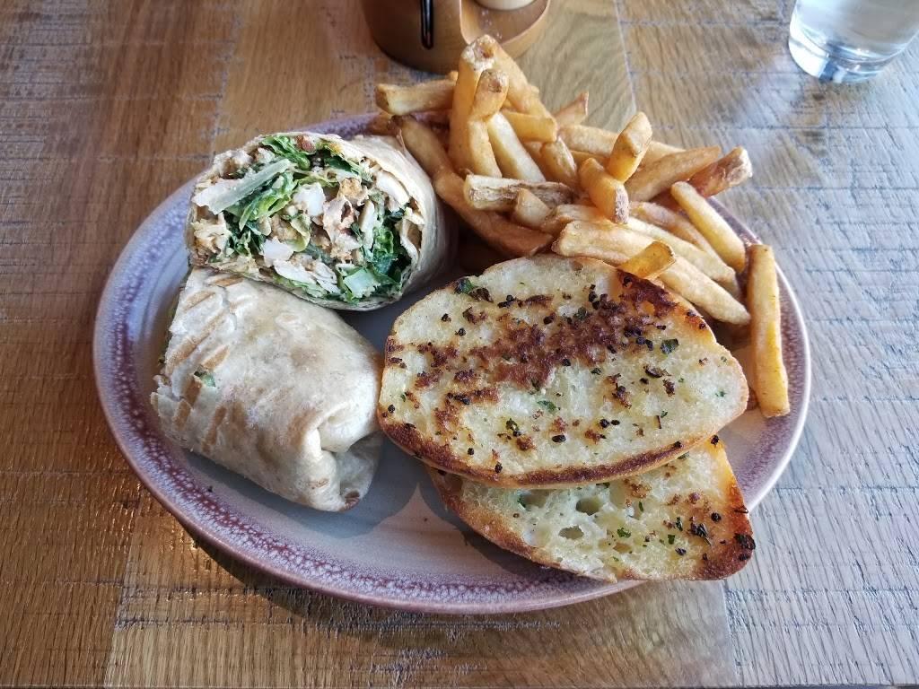 Nandos PERi-PERi | restaurant | 1005 S Delano Ct, Chicago, IL 60605, USA | 3122047151 OR +1 312-204-7151